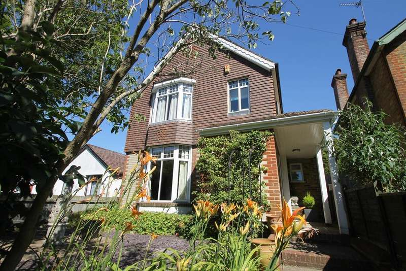4 Bedrooms Detached House for sale in Linton Road, Loose, Maidstone