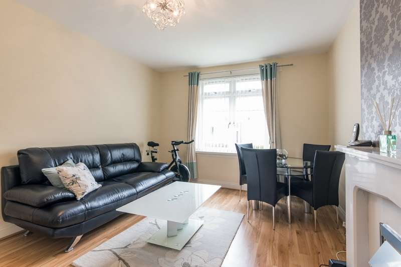 2 Bedrooms Flat for sale in Clifton Road, Aberdeen, AB24 4ED