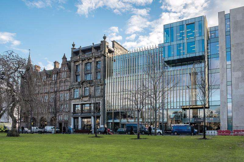 2 Bedrooms Flat for rent in St Andrews Square, New Town, Edinburgh, EH2 2BD