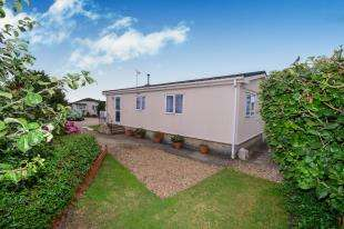 2 Bedrooms Detached House for sale in The Willows, Ford Road, Ford, Arundel