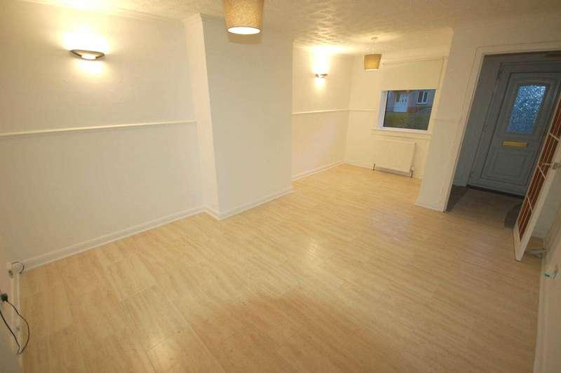 3 Bedrooms House for rent in Vennacher Road, Renfrew, Renfrewshire PA4