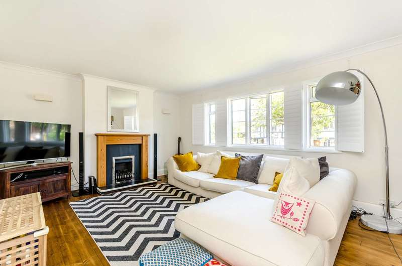 2 Bedrooms Maisonette Flat for sale in Winchester Road, Bromley, BR2