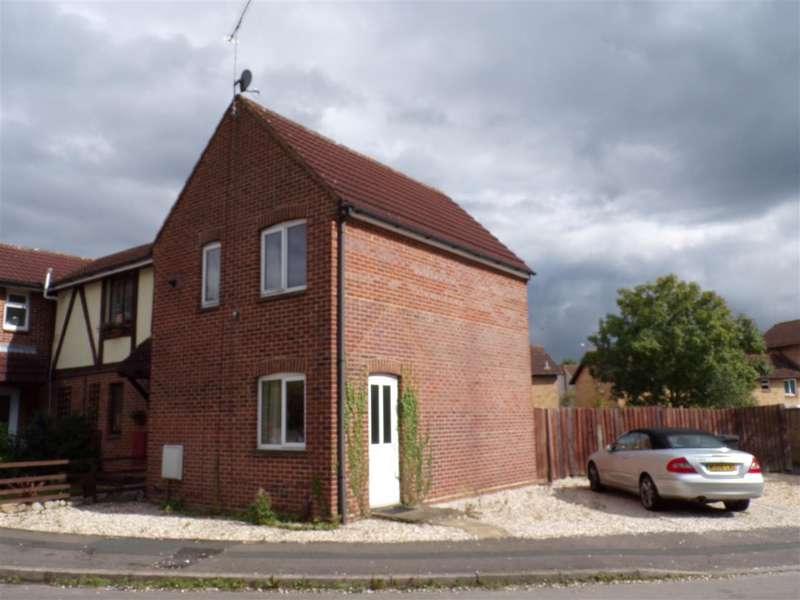 2 Bedrooms End Of Terrace House for rent in Bradenham Road, Grange Park, Swindon