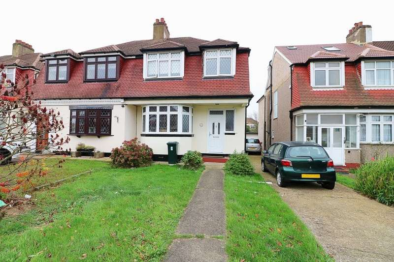 3 Bedrooms Property for sale in St. Clair Close, Ilford, IG5
