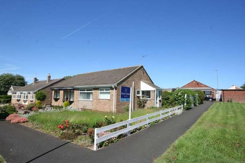 2 Bedrooms Semi Detached Bungalow for sale in Southdean Drive, Hemlington, Middlesbrough, TS8