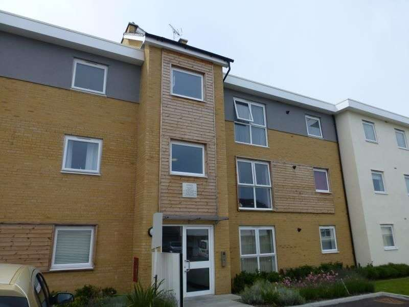 2 Bedrooms Flat for rent in Olympia Way, Whitstable, CT5