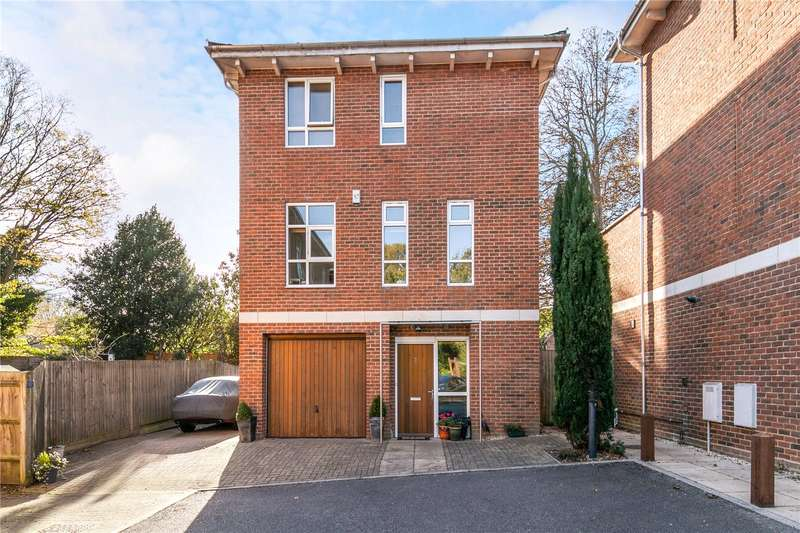 4 Bedrooms Detached House for sale in Thistledown Close, Winchester, Hampshire, SO22