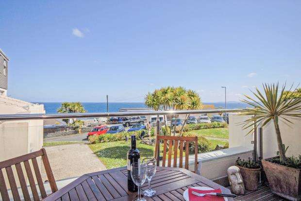 2 Bedrooms Maisonette Flat for sale in Carthew Court, St. Ives, Cornwall
