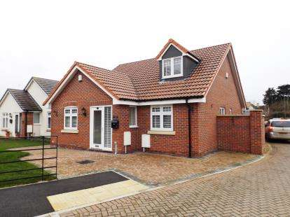3 Bedrooms Bungalow for sale in Elstub Lane, Dursley, Gloucestershire, .