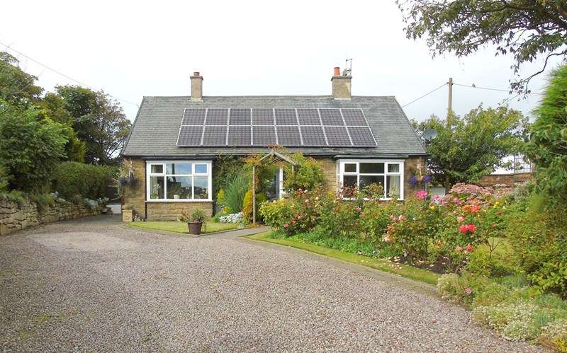3 Bedrooms Bungalow for sale in Cresswell, Cresswell, Morpeth, Northumberland, NE61 5JY