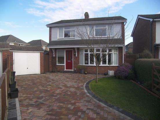 3 Bedrooms Detached House for sale in Denvilles, Havant, Hampshire