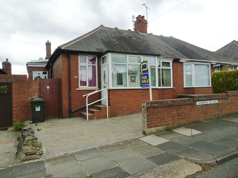 3 Bedrooms Bungalow for sale in Lansdowne Terrace West, North Shields, North Shields, Tyne & Wear, NE29 0RZ