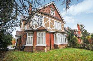 1 Bedroom Flat for sale in Croham Park Avenue, South Croydon, .