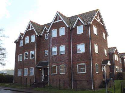1 Bedroom Flat for sale in Langley Road, Poole