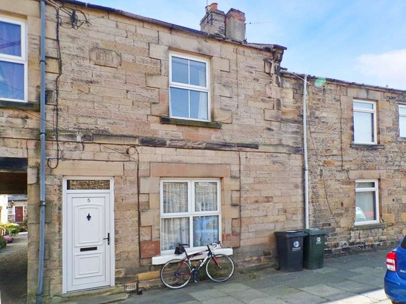 3 Bedrooms Property for sale in Shaftoe Street, Haydon Bridge, Hexham, Northumberland, NE47 6BQ