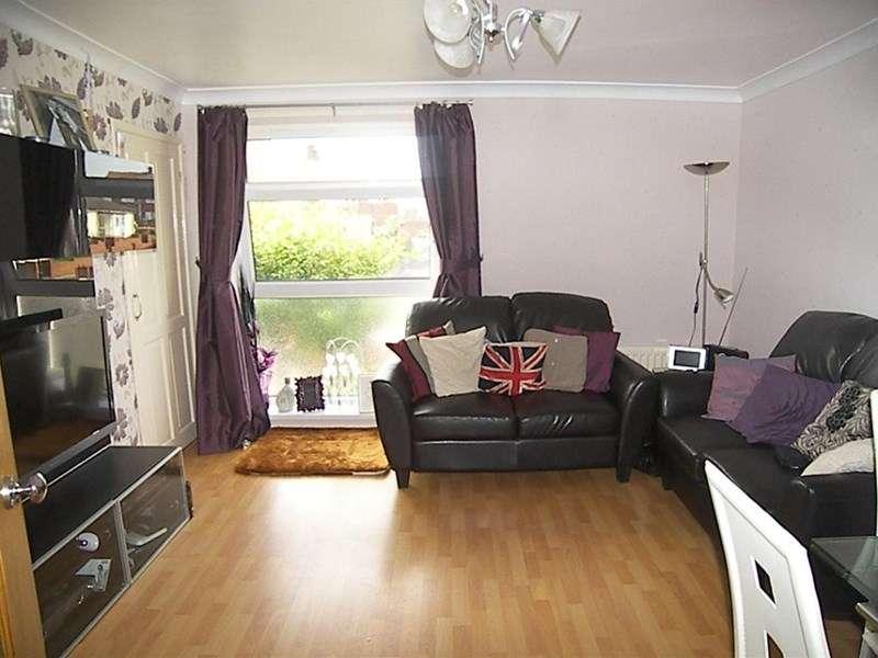 2 Bedrooms Property for sale in Trevarren Drive, Hollycarrside , Sunderland, Tyne & Wear, SR2 0YZ