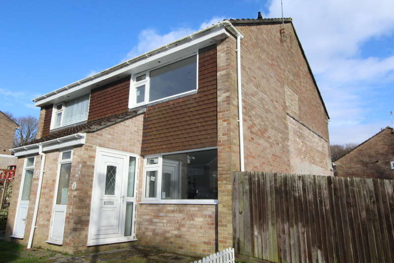 2 Bedrooms Semi Detached House for rent in Hawthorn Avenue, Torpoint
