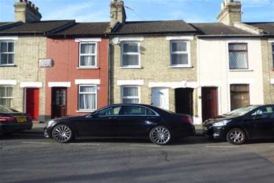 3 Bedrooms Flat for rent in Central Watford, WD17