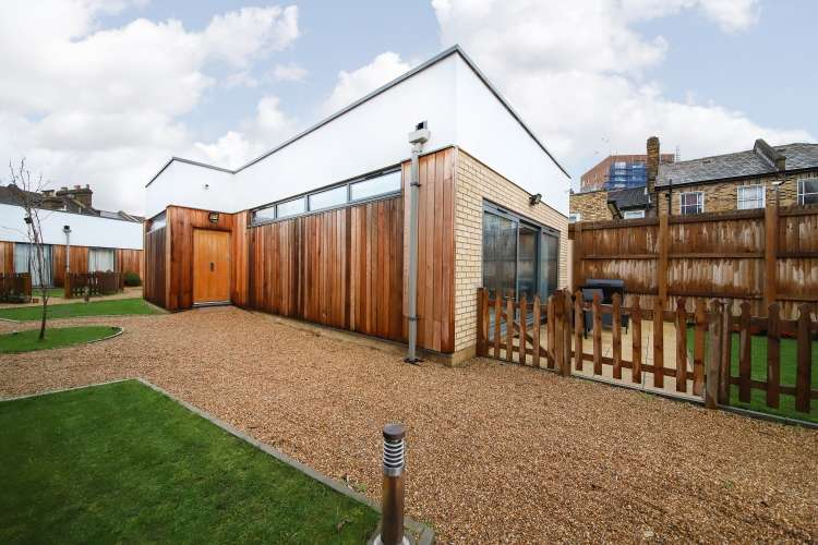 2 Bedrooms House for sale in Elswick Road Lewisham SE13