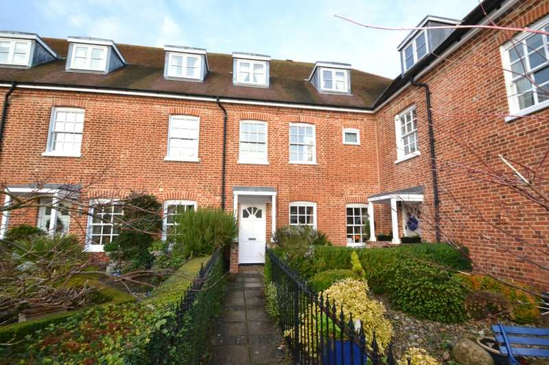 5 Bedrooms Town House for sale in Chedworth Place, Ipswich, Suffolk, IP9
