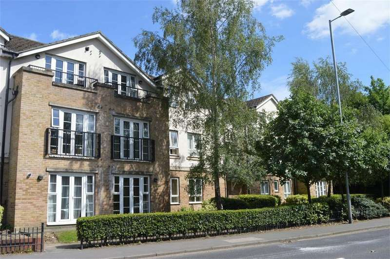 2 Bedrooms Flat for sale in Flat 10 Island Court, London Road, Bishop's Stortford