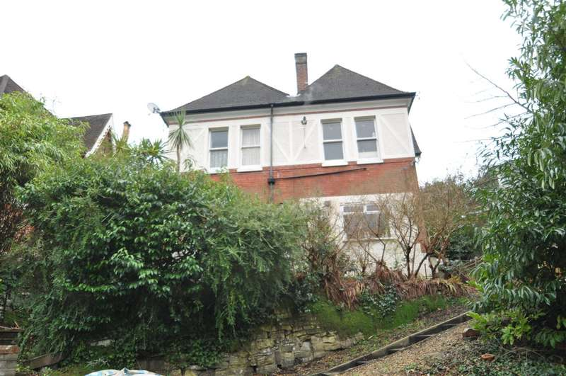 5 Bedrooms House for sale in Snowdon Road, Bournemouth