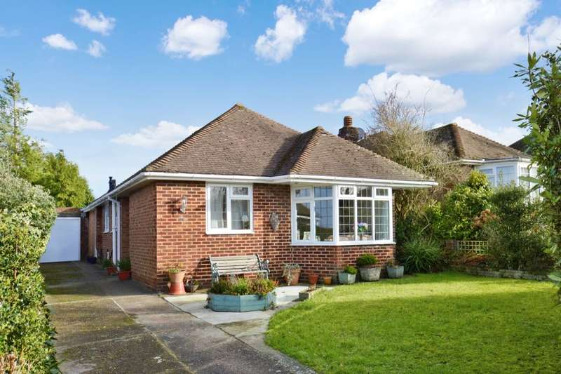 3 Bedrooms Detached Bungalow for sale in Garden Wood Road, East Grinstead, RH19