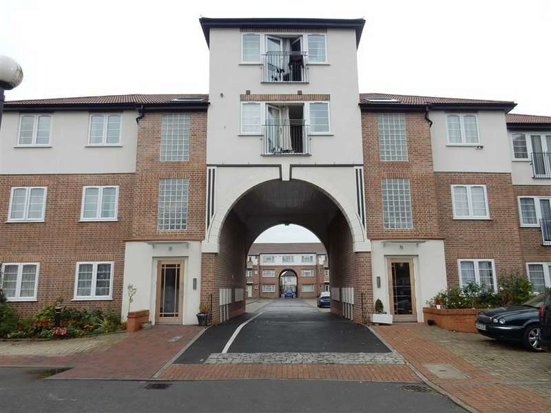 2 Bedrooms Apartment Flat for sale in Southall Court, Southall, Middlesex