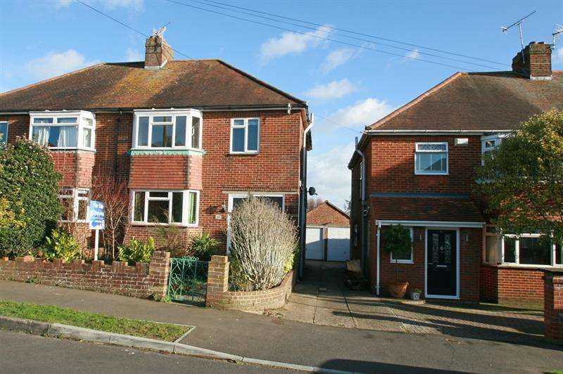 3 Bedrooms Semi Detached House for sale in Penhurst Road, Bedhampton, Havant