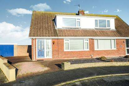3 Bedrooms Semi Detached House for sale in Wyddfa, Glan Conwy, Conwy, LL28