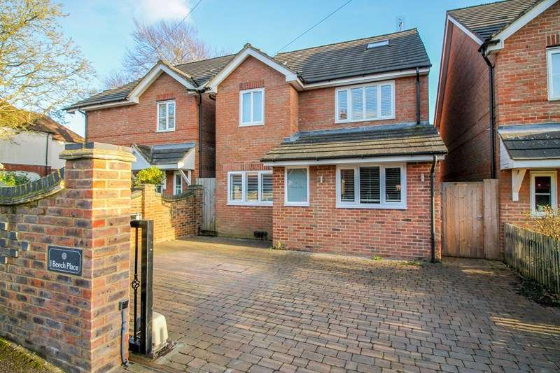 4 Bedrooms Detached House for sale in Western Road, Liss