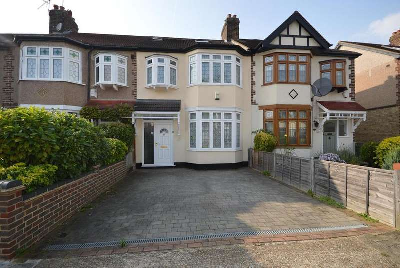 4 Bedrooms Terraced House for sale in Glenwood Drive, Gidea Park, RM2