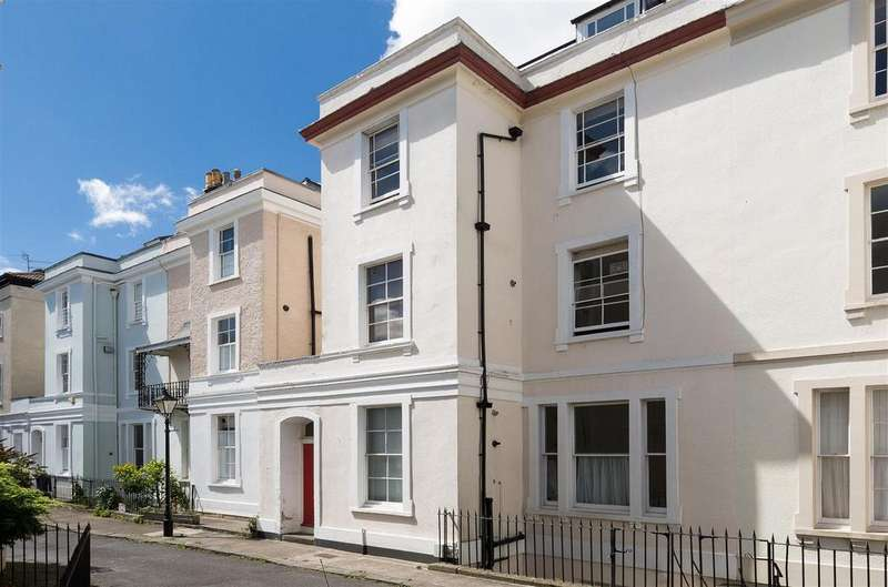 2 Bedrooms Duplex Flat for sale in Canynge Square, Clifton, Bristol