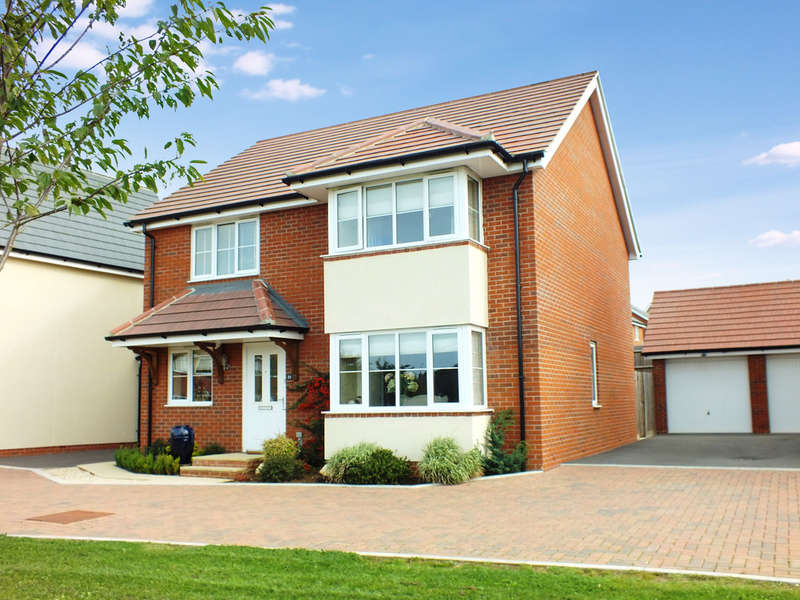 4 Bedrooms Detached House for sale in Watchfield