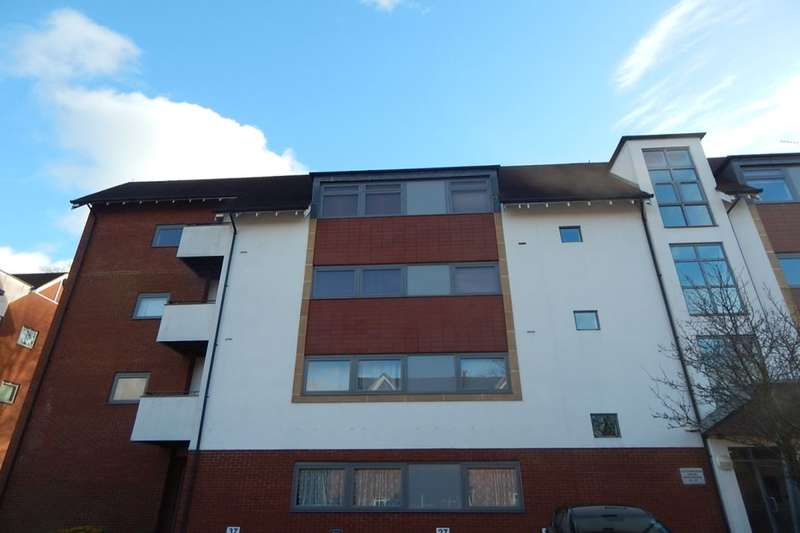 2 Bedrooms Flat for sale in Woodbrooke Grove, Northfield, Birmingham, B31