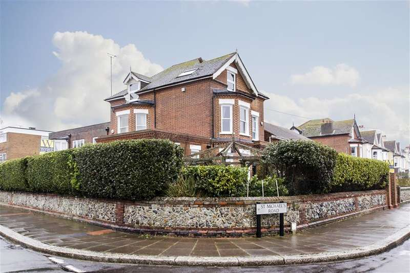 4 Bedrooms Detached House for sale in St Michaels Road, Worthing, West Sussex, BN11 4RZ