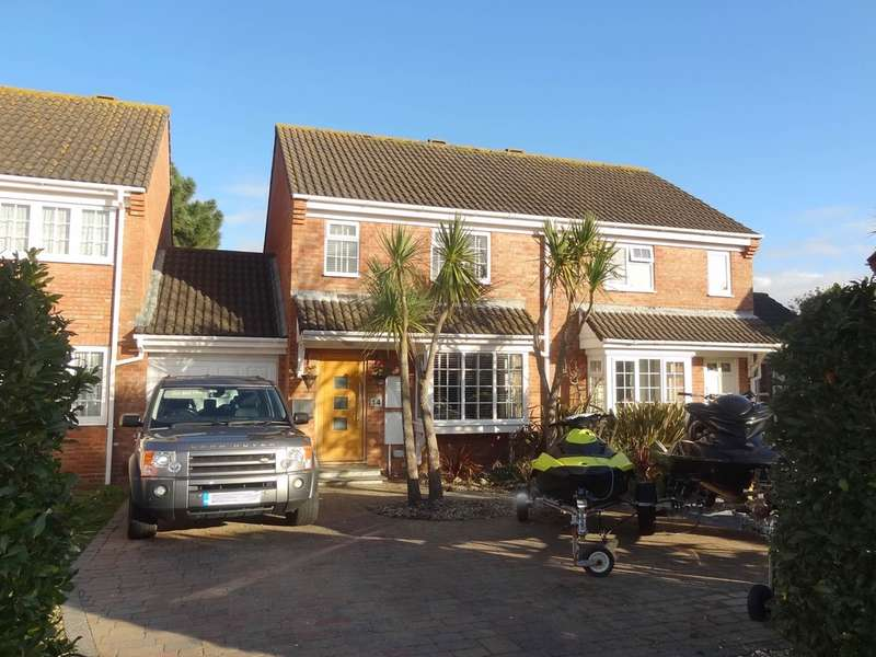 3 Bedrooms Semi Detached House for sale in Halifax Way, Mudeford, BH23 4TX