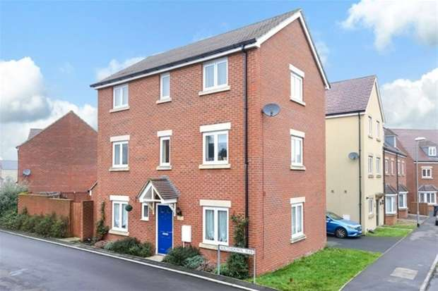 4 Bedrooms Detached House for sale in Southdown Way