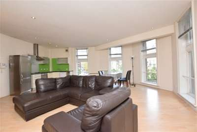 2 Bedrooms Flat for rent in St Pauls Chambers, Sheffield, S1 2JL