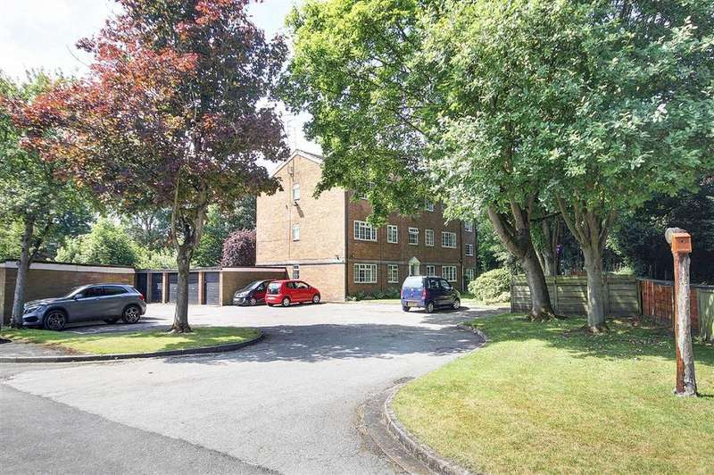 1 Bedroom Apartment Flat for sale in Eskdale Drive, Timperley, Cheshire
