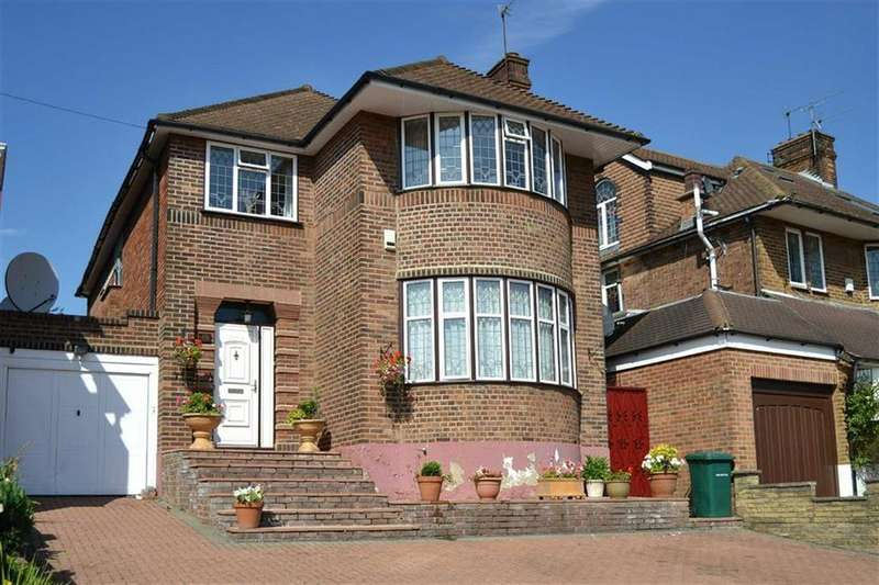4 Bedrooms Detached House for sale in Northiam, Woodside Park, London
