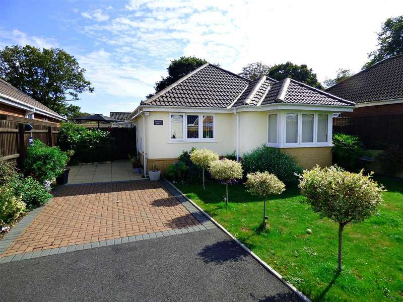 2 Bedrooms Bungalow for sale in IMMACULATE BUNGALOW WITH GOOD SIZED FRONTAGE AND AMPLE OFF ROAD PARKING - Bournemouth - NO CHAIN