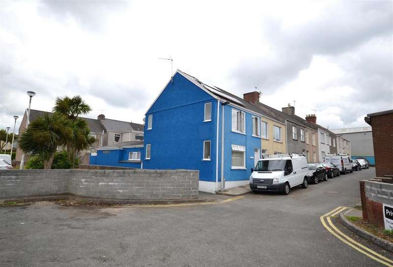 3 Bedrooms End Of Terrace House for sale in Harbour Way, Pembroke Dock