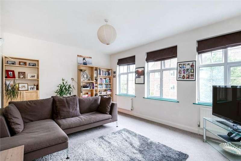 3 Bedrooms Maisonette Flat for sale in Carmichael Court, Grove Road, Barnes, London, SW13