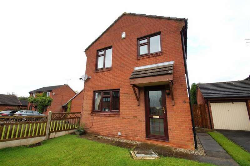 3 Bedrooms Detached House for sale in Hertford Fold, Leeds