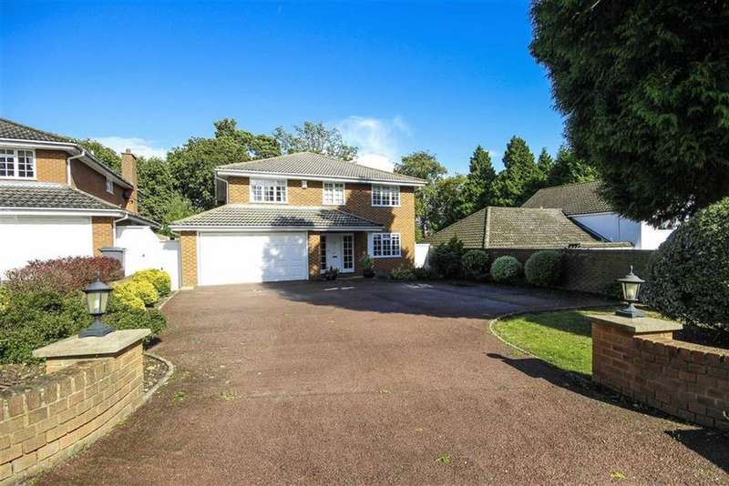4 Bedrooms Detached House for sale in Barnet Gate Lane, Arkley, Hertfordshire