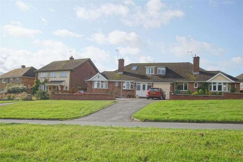 3 Bedrooms Semi Detached Bungalow for sale in Millbank, Warwick