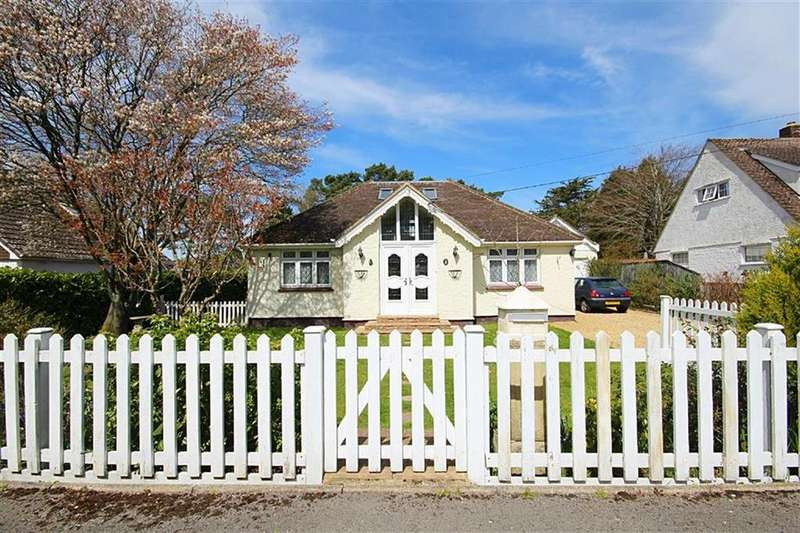 4 Bedrooms Detached Bungalow for sale in Greenwood Avenue, Ferndown, Dorset