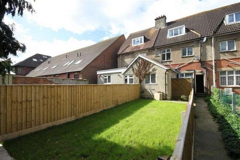 2 Bedrooms Flat for sale in Victoria Road, Ferndown