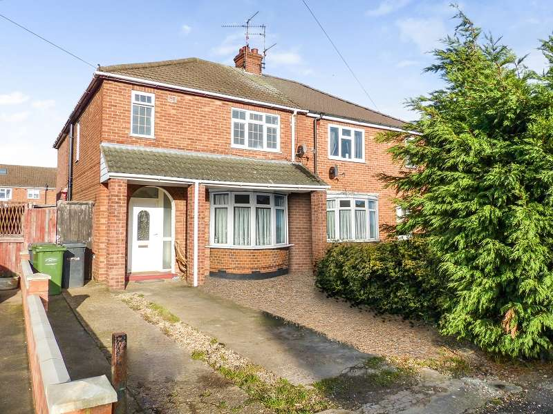 4 Bedrooms Semi Detached House for sale in Southfields Avenue, Stanground, Peterborough, PE2 8RY